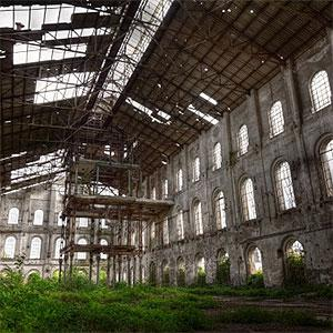 Abandoned factory © Giorgio Fochesato, Vetta, Getty Images